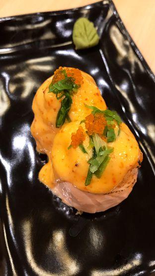 Foto 7 - Makanan(Salmon Hana Roll) di Kimukatsu oleh Riris Hilda