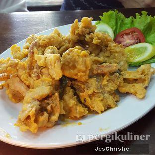 Foto 3 - Makanan(Kepiting Soka Telur Asin) di Seafood Station oleh JC Wen
