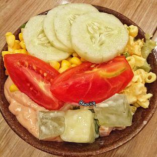 Foto 3 - Makanan(Salad) di Pizza Hut oleh felita [@duocicip]