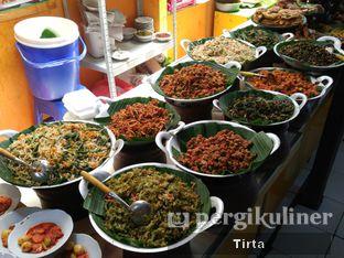Foto 4 - Makanan di Sunda Prasmanan Cikajang oleh Tirta Lie