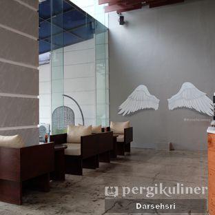 Foto 7 - Interior di Poach'd Brunch & Coffee House oleh Darsehsri Handayani