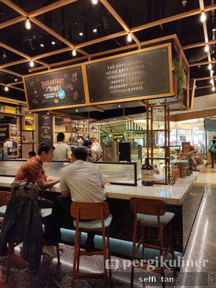 Foto 3 - Interior di Djournal Coffee oleh Selfi Tan