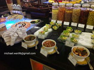 Foto 3 - Interior(Satu sisi...) di Cafe One - Wyndham Casablanca Jakarta oleh Michael Wenadi