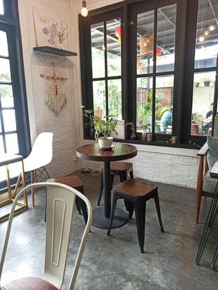 Foto 8 - Interior di Jonbon's Coffee & Eatery oleh Junior