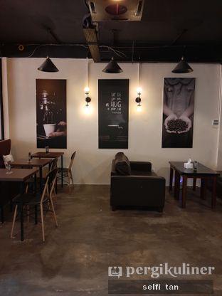 Foto 5 - Interior di Hang Tuah GO! Kopi & Toastery oleh Selfi Tan