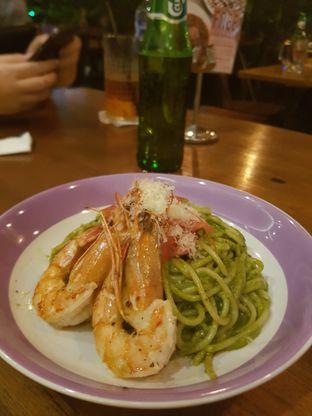 Foto 1 - Makanan(Creamy Pesto Prawn) di Six Degrees oleh Yuli || IG: @franzeskayuli