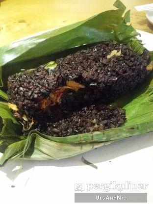 Foto 2 - Makanan(Nasi bakar hitam) di Mars Kitchen oleh UrsAndNic