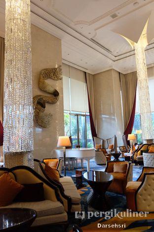 Foto 6 - Interior di The Writers Bar - Raffles Jakarta Hotel oleh Darsehsri Handayani