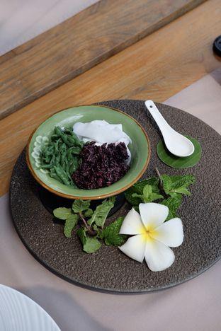 Foto review Bunga Rampai oleh Suyanto Fong 1