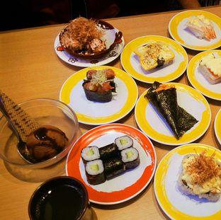 Foto 2 - Makanan di Genki Sushi oleh felita [@duocicip]