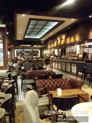 Foto 9 - Interior di Koffie Warung Tinggi oleh UrsAndNic