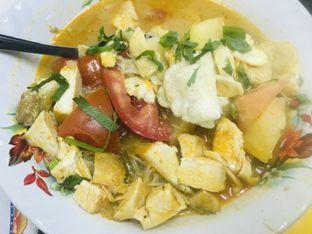 Foto 4 - Makanan di Soto Betawi Globe H. Oji oleh Levina JV (IG : @levina_eat & @levinajv)
