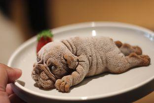 Foto 1 - Makanan(Puggy Choco Mousse) di Boogie Doggie Pet Cafe oleh Hans Latuheru | @hanslatuheru