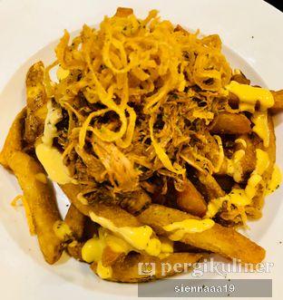 Foto 2 - Makanan(Pulled Brisket Fries) di Holy Smokes oleh Sienna Paramitha