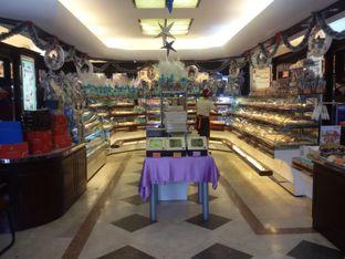 Foto 5 - Interior di Holland Bakery oleh Nintia Isath Fidiarani