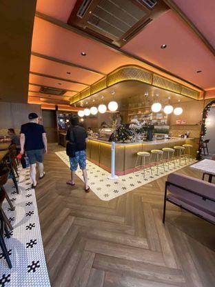 Foto 20 - Interior di Yoloe Cafe and Resto oleh Riani Rin