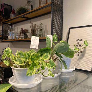 Foto 5 - Interior di Emmetropia Coffee oleh Levina JV (IG : @levina_eat & @levinajv)