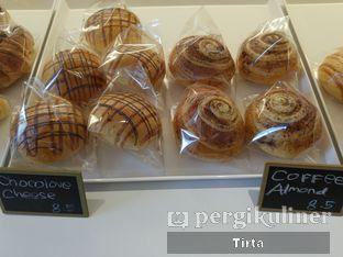 Foto 34 - Makanan di Rokue Snack oleh Tirta Lie