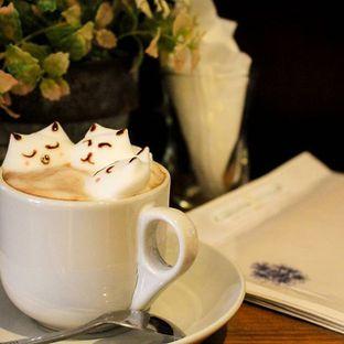 Foto 2 - Makanan(3D Latte Art - Hot Chocolate) di Ninotchka oleh Christine Lie #FoodCraverID