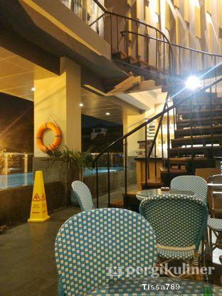 Foto 4 - Interior di Terraza Lounge - Hotel THE 1O1 oleh Tissa Kemala