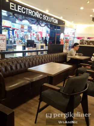 Foto 8 - Interior di KOI Cafe oleh UrsAndNic
