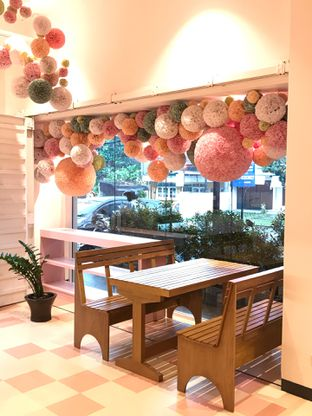 Foto 16 - Interior di Mister & Misses Cakes oleh yudistira ishak abrar