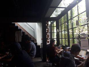Foto 2 - Interior di Fillmore Coffee oleh @semangkukbakso