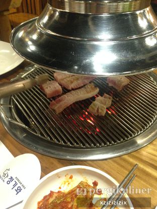 Foto 7 - Makanan(Samgyeopsal) di Chung Gi Wa oleh zizi
