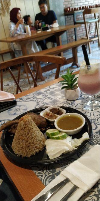 Foto Makanan di Foremore