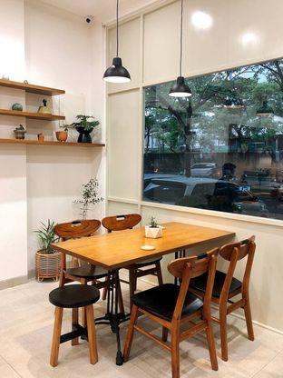 Foto 13 - Interior di Platon Coffee oleh kdsct