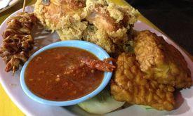 Ayam Goreng Kremes & Nasi Uduk 68