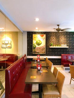 Foto 7 - Interior di Pizza Hut oleh yudistira ishak abrar