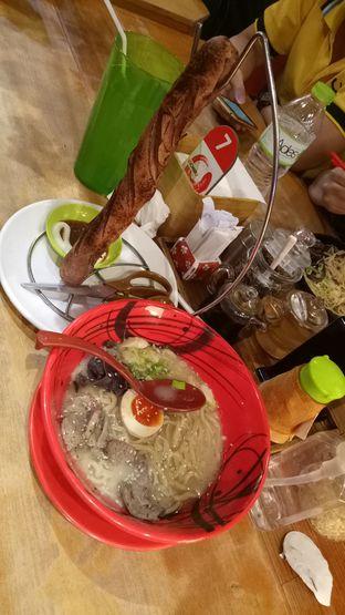 Foto 2 - Makanan di Universal Noodle Ichiro Ramen Market oleh Alexander Michael