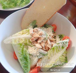 Foto 4 - Makanan(Insalata Caesara) di La Cucina oleh Myra Anastasia