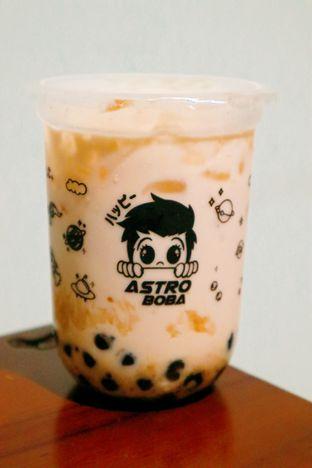 Foto 1 - Makanan di Astro Boba oleh thehandsofcuisine