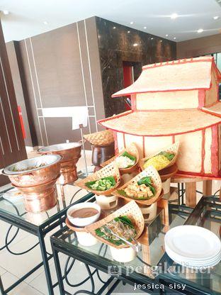 Foto review The Mezzanine Restaurant - Atria Hotel oleh Jessica Sisy 5