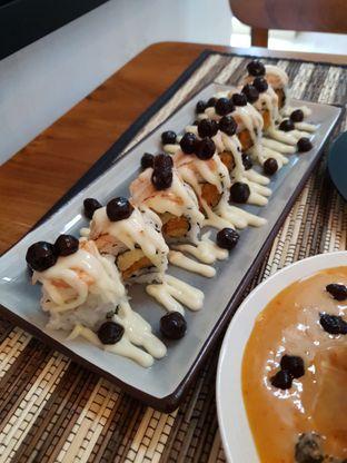 Foto 4 - Makanan di Baiza Sushi oleh BiBu Channel
