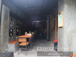 Foto 6 - Interior di Four Play Cafe & Resto oleh Desy Mustika