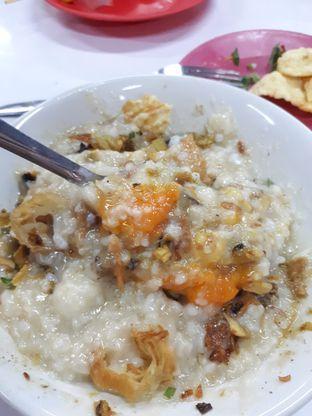 Foto 2 - Makanan di Bubur Ayam Alfa oleh Velia