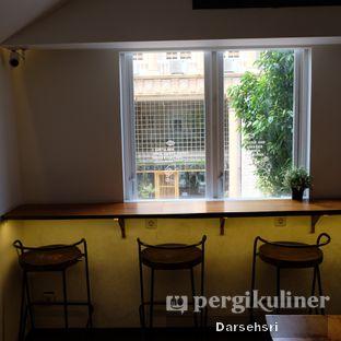 Foto 14 - Interior di Bermvda Coffee oleh Darsehsri Handayani