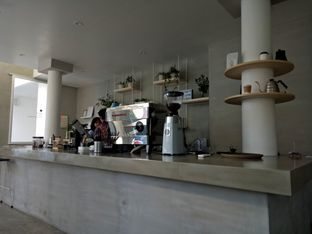 Foto 3 - Interior di Threelogy Coffee oleh Mita