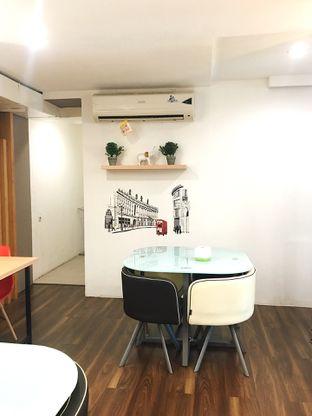 Foto 4 - Interior di Kojima Burger & Coffee oleh Jeljel