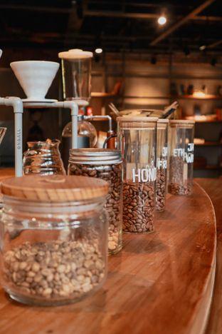Foto 9 - Interior di One Eighty Coffee and Music oleh Christian Lyonal