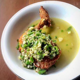 Foto Makanan di Ayam Pedos
