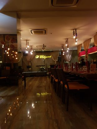 Foto 6 - Interior di D' Bollywood oleh Yuli || IG: @franzeskayuli