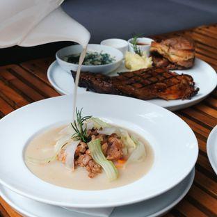 Foto 3 - Makanan(Prime rib soup) di J. Sparrow's Bar & Grill oleh Claudia @claudisfoodjournal