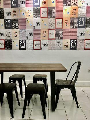 Foto 13 - Interior di Saksama Coffee oleh Prido ZH