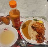 Foto Curry Rice + Toping + Soup + Thai Tea di Noodle Town