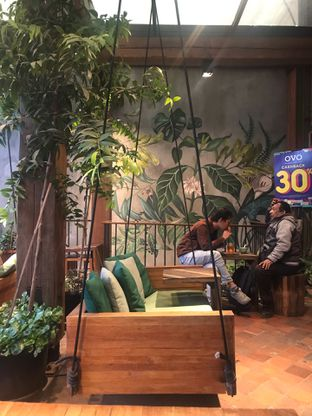 Foto 5 - Interior di Eiger Coffee oleh Fadhlur Rohman