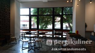 Foto 6 - Interior di Crematology Coffee Roasters oleh Jakartarandomeats